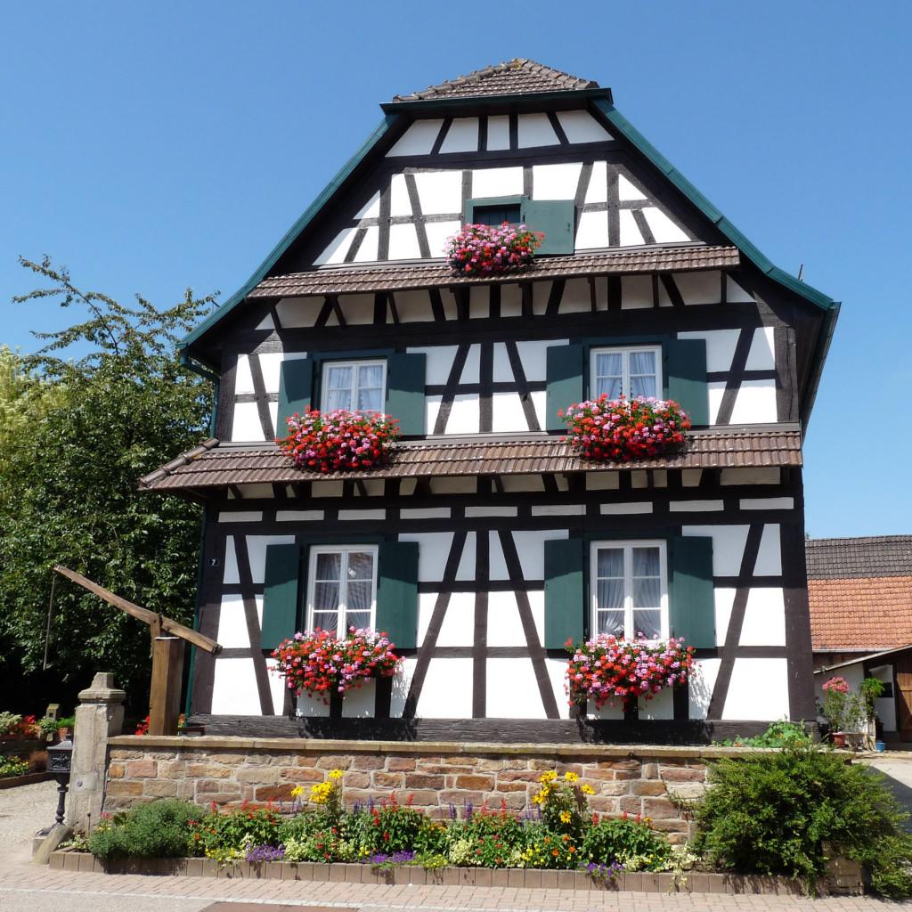 Photo d'une maison d'hôtes typique à colombage en Alsace
