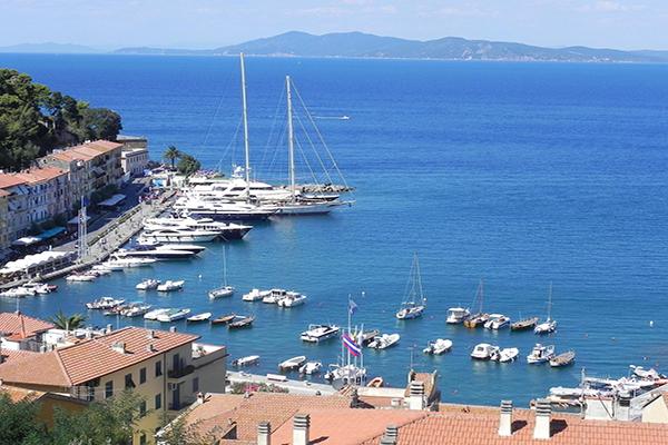 Photo du port de plaisance de Porto Vecchio en Corse du sud